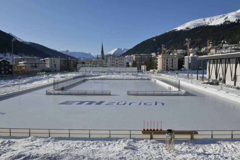 ETH Meets Davos 2020 - Ice skating field